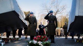 Prezydent oddał hołd ofiarom katastrofy pod Smoleńskiem